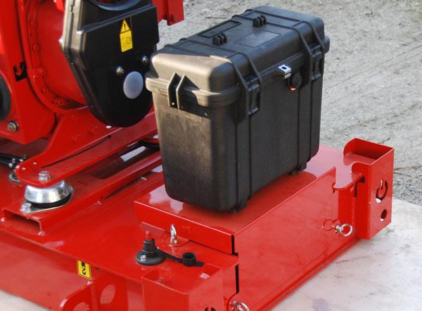 Skrzynka narzędziowa, pokrywa i rozłącznik akumulatora